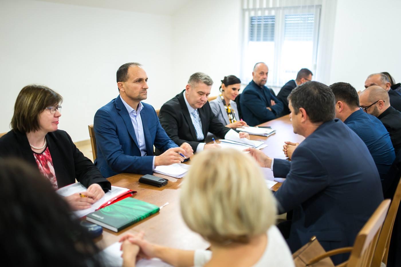 Župan Ivan Anušić na poziv načelnika Ante Krištića došao u radnu posjetu